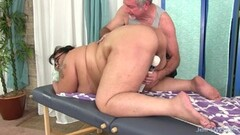 Heavyweight Hoochie Erin Green Is Fucked Hard by an Older Guy Thumb