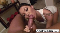 Naughty Asa Akira gives an amazing deep throat blow job Thumb