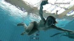 Slowmo babe Gazel Podvodkova puts on underwatershow Thumb