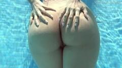 Naughty De Luxe hot Latina in the pool Thumb