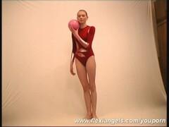 Amazing flexible gymnast girl Maria Thumb