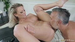 Horny Isabella Nice takes a deep internal creampie Thumb