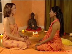 Lesbians: Massage Le Sensuous Thumb