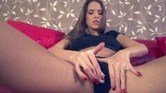 Emily Willis eating up Dean India Summers moist pussy so good Thumb