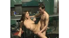 Babes Kira and Daya goes pussy fingering after hot massage Thumb