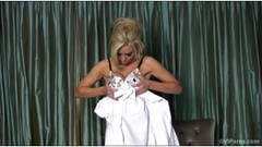Felicia Fallon Fucks And Gets A Facial Thumb