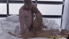 Cute blonde hottie gets pussy licked Thumb