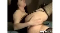 Masseuse gives lady the full treatment Thumb
