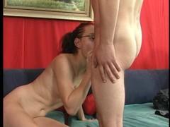 Shapely girl in black enjoys the moment (clip) Thumb