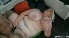 Horny guy fucks blonde BBW hooker Thumb