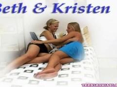 Teen Lesbians Fuck Every Hole Good Vibrations Thumb