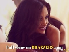 BRAZZERS - Gia Dimarco gets pounded by hot nurse Johnny Sins Thumb