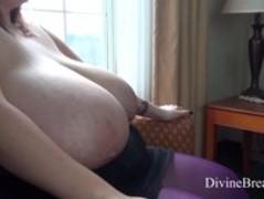 Mara milk squirting BBW tits # 02 Thumb