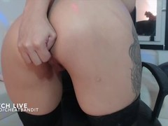 Smoking hot Latina squirts on live cam Thumb