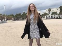 Clara 18 ans, étudiante en esthétique Thumb