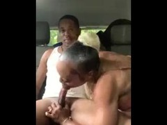 Busty bitch gets fucked in car Thumb