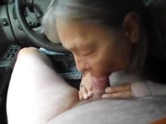 granny slut sucking cock to cumshots !! Thumb