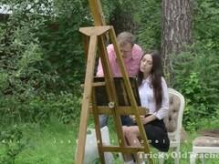 Hermosa rusa Arwen Gold follada por un viejo Thumb